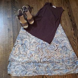 Dresses & Skirts - Flowing paisley skirt